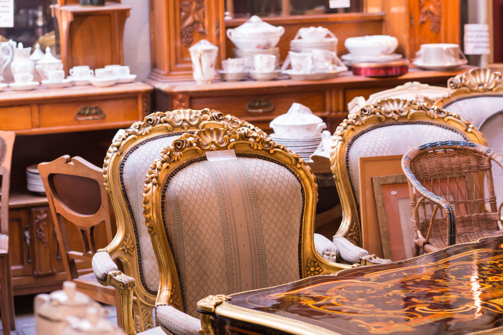 Everything You Should Know Before Buying Furniture At An Auction