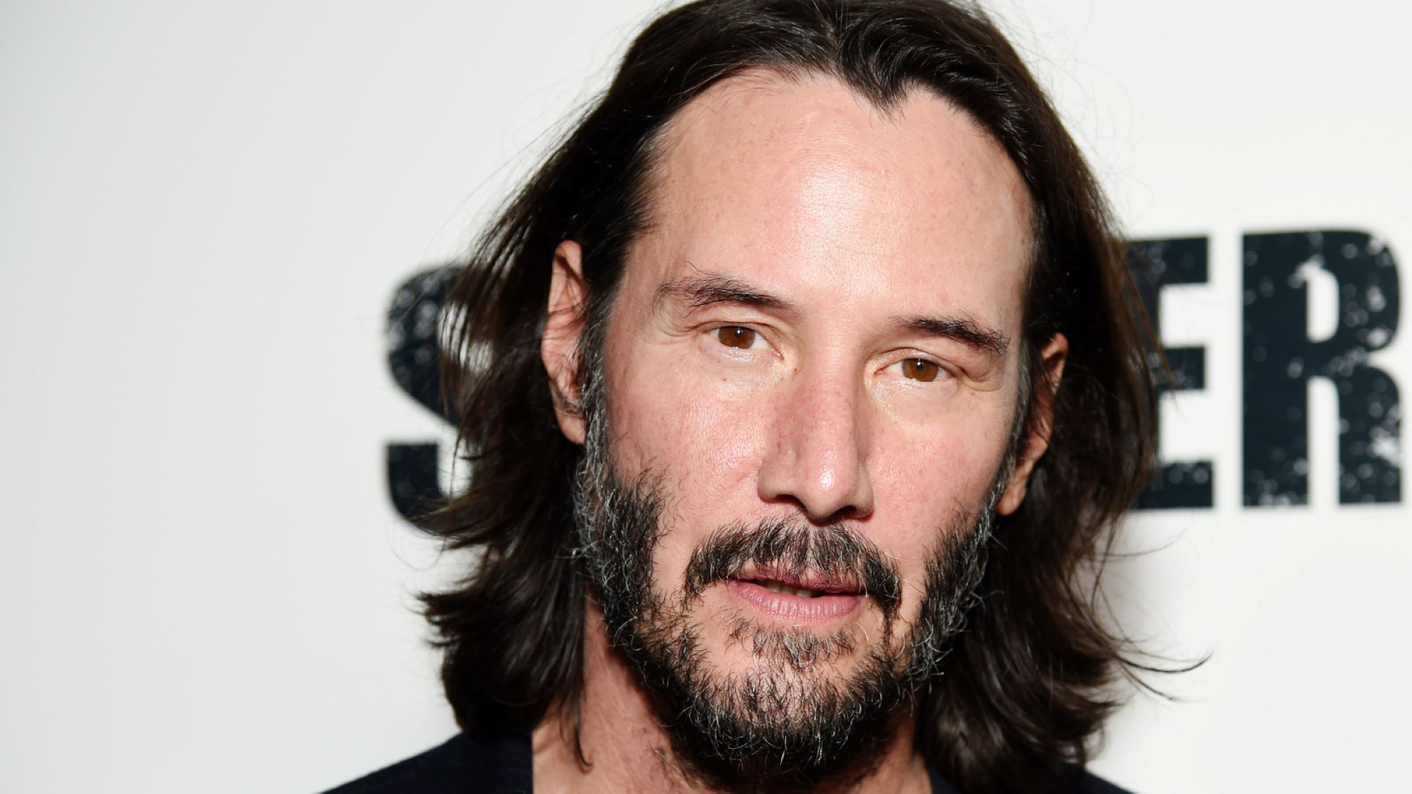 Keanu Reeves Auctions Off 15-Minute Zoom Chat for Charity